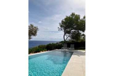 Seafront villa Magdalan, to rent in Mallorca, 6 people Cala D'Or