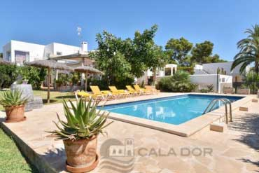 Four bedroom villa for holidays in Majorca