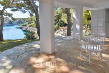 Holiday villa for holidays with direct acces to the sea