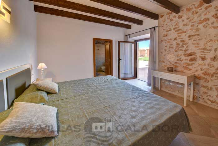 Holiday country house with pool for rent in Mallorca