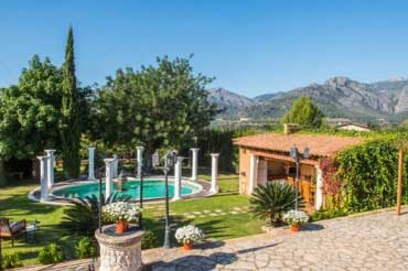 Country house  Alzina to rent in Bunyola,  Mallorca 5 bedrooms