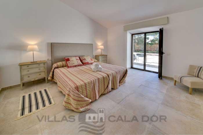 Dormitorios Mallorca.Corso Villa De Vacaciones Con Piscina En Mallorca Porto Colom