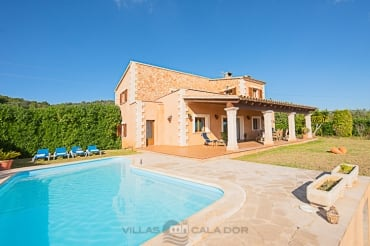 Country house Roca Blanca to rent mallorca 4 bedrooms
