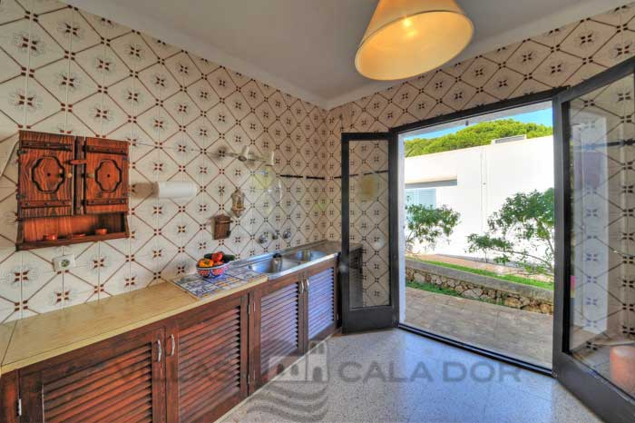 Seafront holiday villa for rent. Majorca